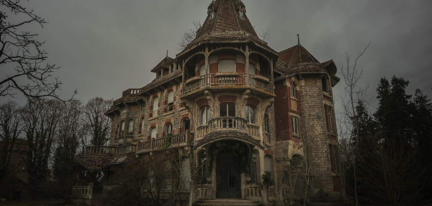The Top 10 Most Haunted Houses in America