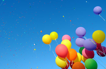 Colorful balloons towards the sky
