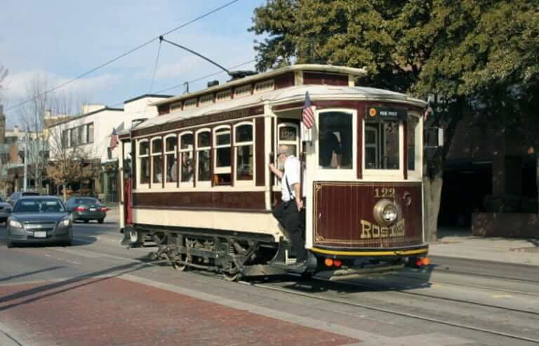 A Trolley running in Uptown Dallas