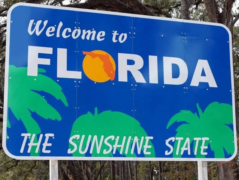 A signboard welcome to Florida