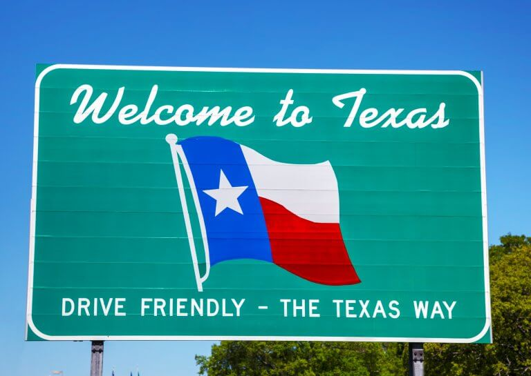 A signboard welcome to Texas