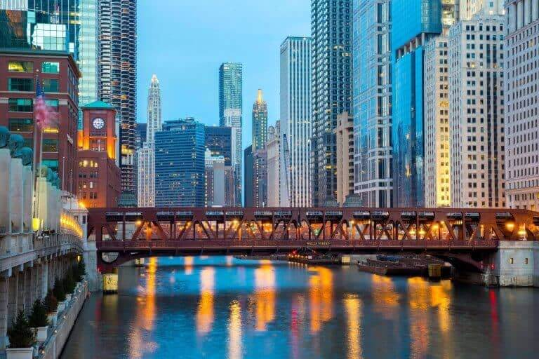 Chicago city and Chicago river
