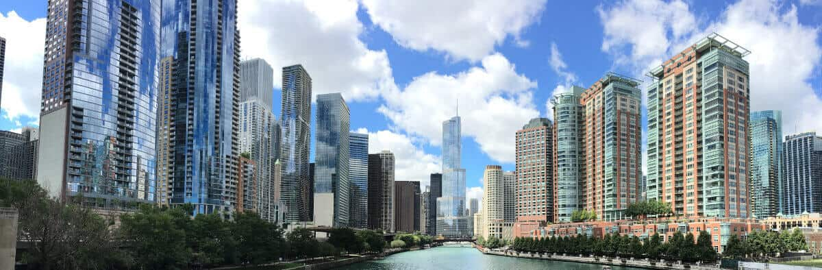 Chicago river in the downtown area