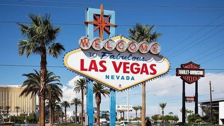 Las Vegas welcome sign board