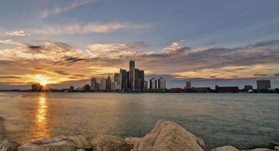 Detroit ocean with sunset