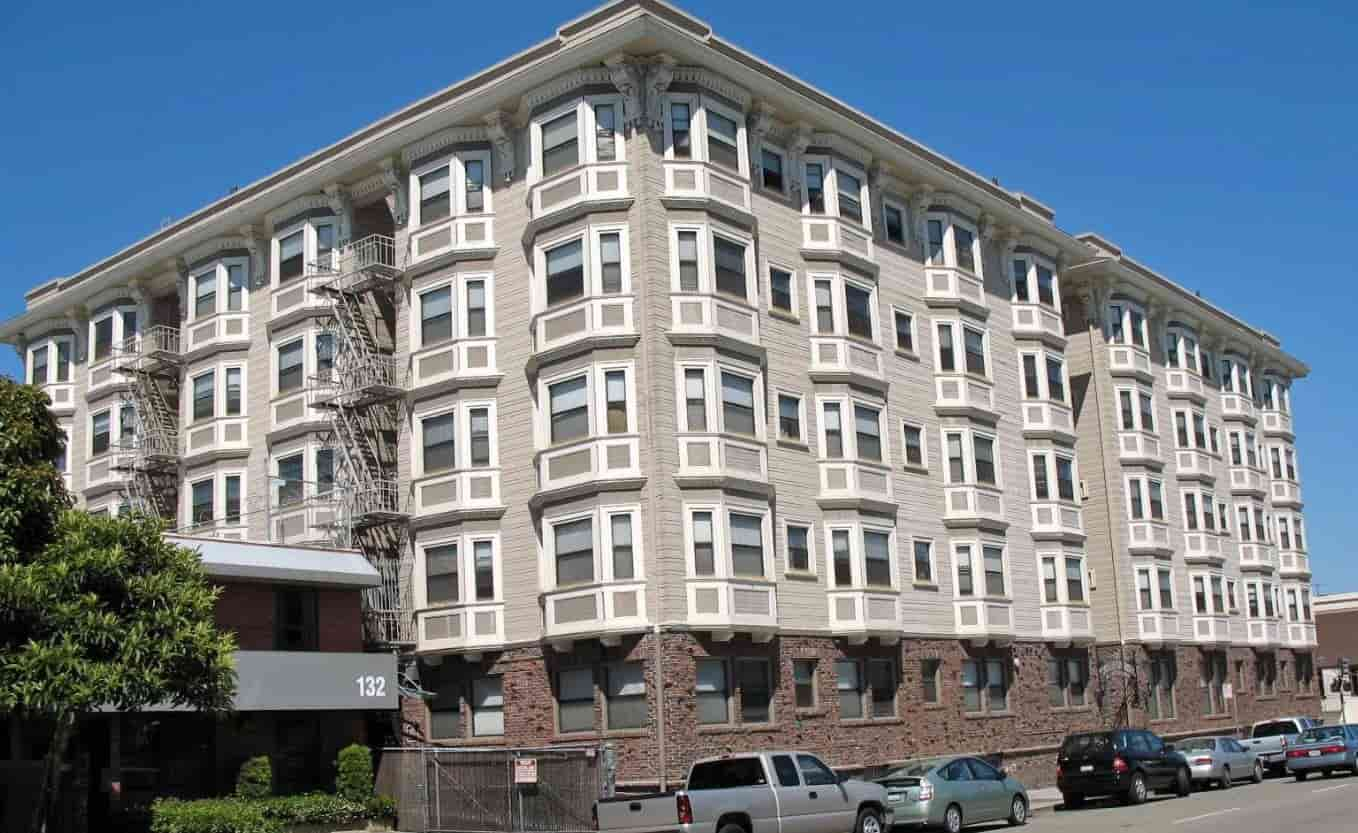 Apartment unit outlook in Oakland
