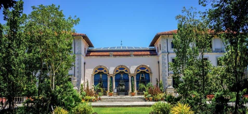 Touring the Vizcaya Museum and Gardens